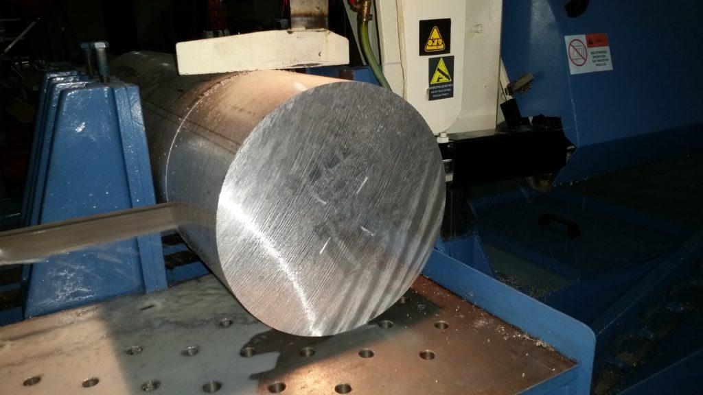 Wałek aluminiowy lany ,skórowany ,z badaniem ultrasonicznym, w gat. 2007 ,średnica fi 400 mm