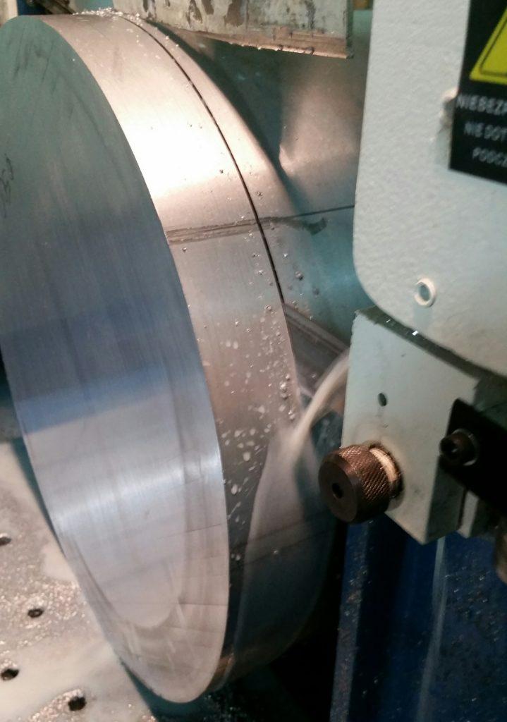Cięcie wałka w gat. 2007  fi 450 mm